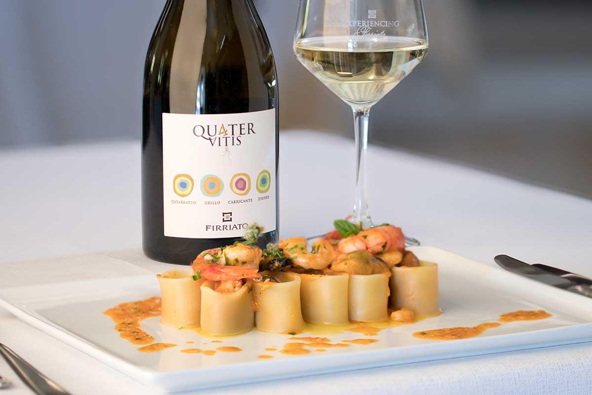 ©all copyright reserved by Firriato - La ricetta paccheri al profumo di mare - Quater Vitis Bianco