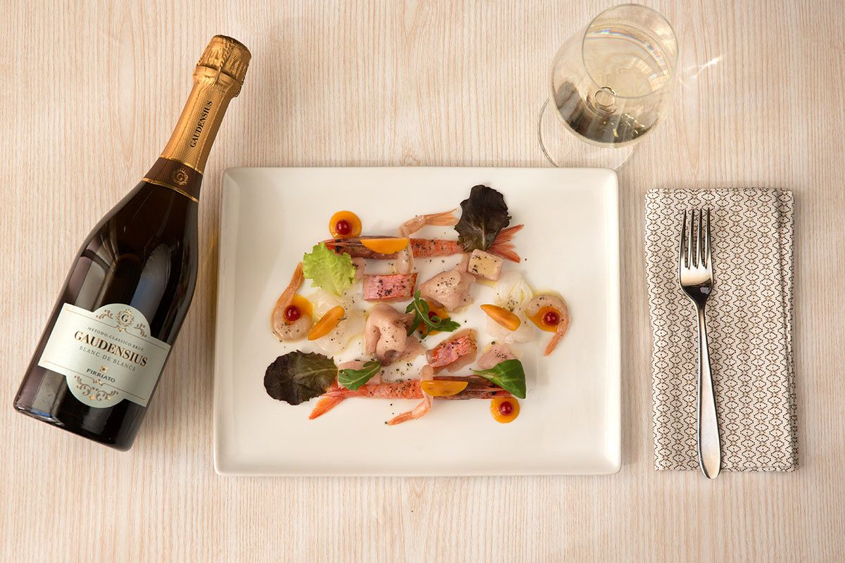 ©all copyright reserved by Firriato - Gaudensius BB e crudo di mare - Gaudensius Blanc de Blancs