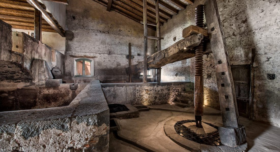 ©all copyright reserved by Firriato - 5 Palmento antico a Cavanera 2 1100x600 - La viticultura eroica: Etna e Favignana